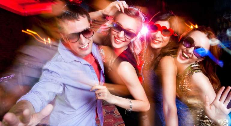 Alcohol, fiesta y bailes