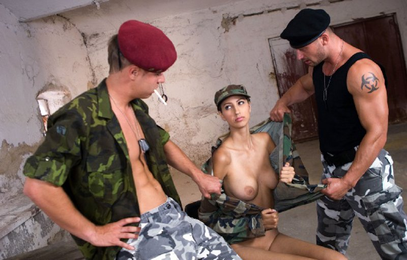 Chicas militares muy sexis