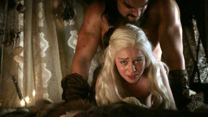 Sexo duro por detrás de Khal Drogo a Daenerys