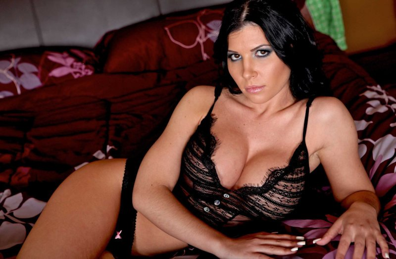 Rebeca Linares desnuda