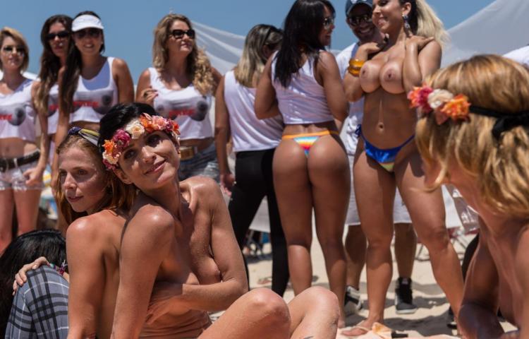 Convocatoria de topless en Río de Janeiro