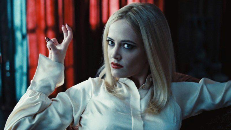 La bruja Eva Green seduce al vampiro Johnny Deep
