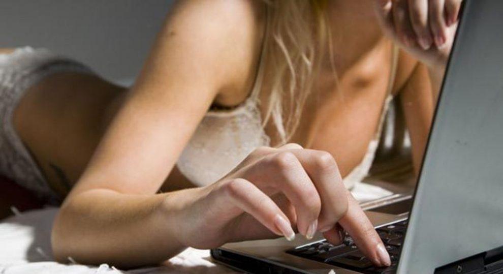 Consejos y peligros del cibersexo