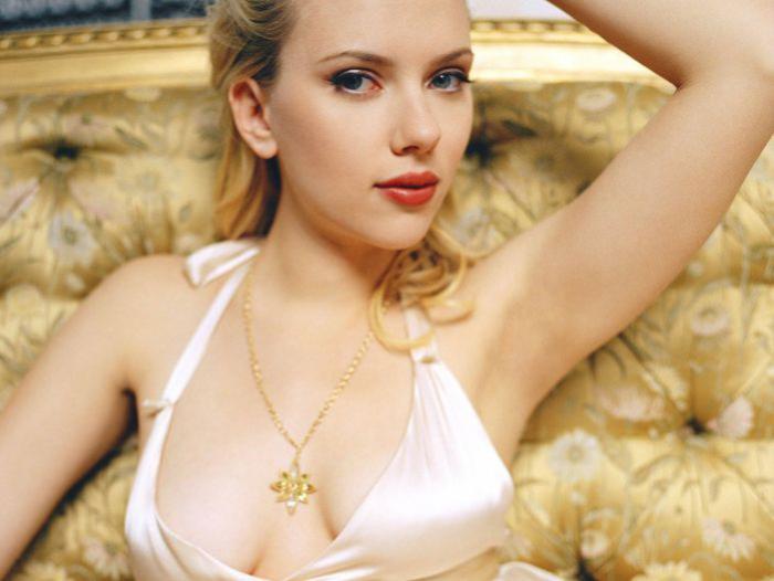 Scarlett muy sensual