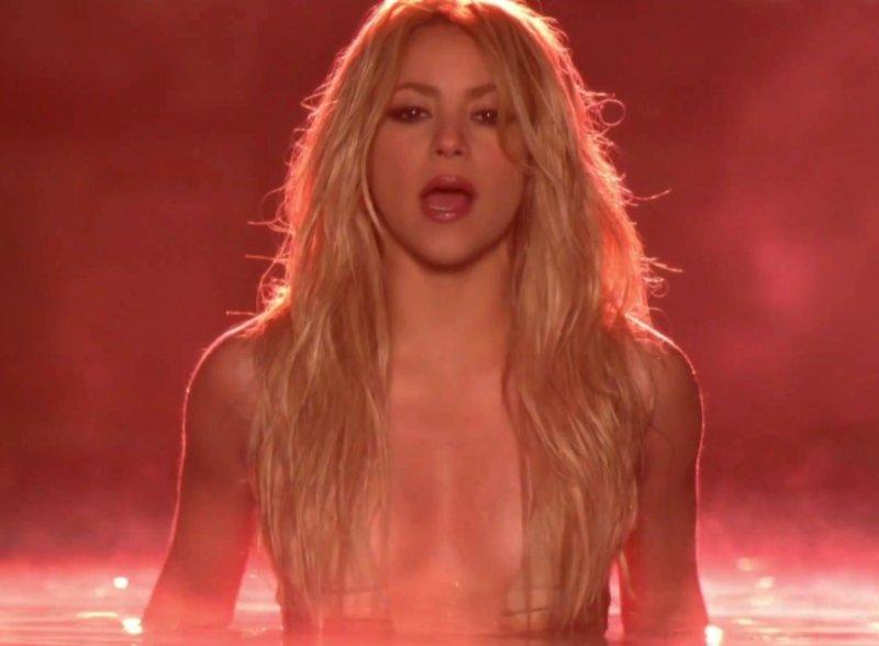 Shakira desnuda