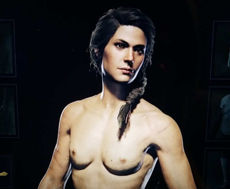 Kassandra desnuda