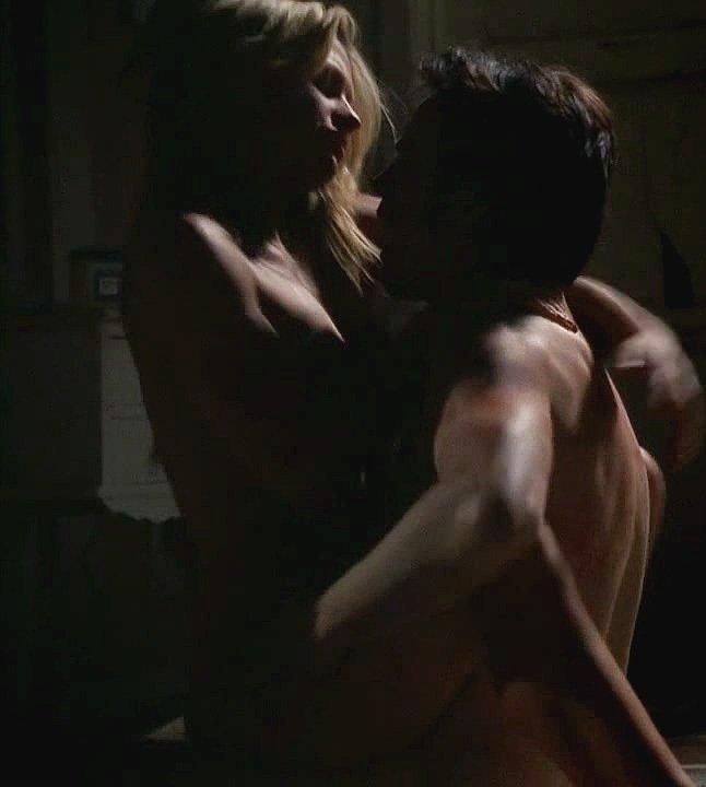 Sookie se entrega a Bill en True Blood