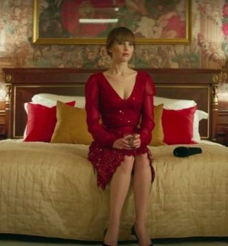 Jennifer Lawrence se desnuda en Gorrión Rojo