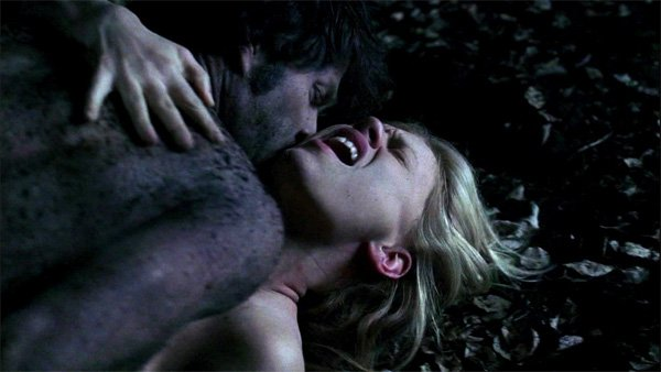 True Blood: Sexo en el cementerio
