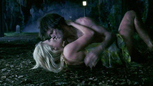 Sexo en el cementerio