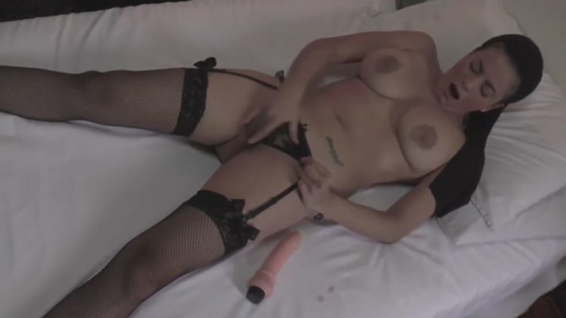 Amaranta Hank desnuda