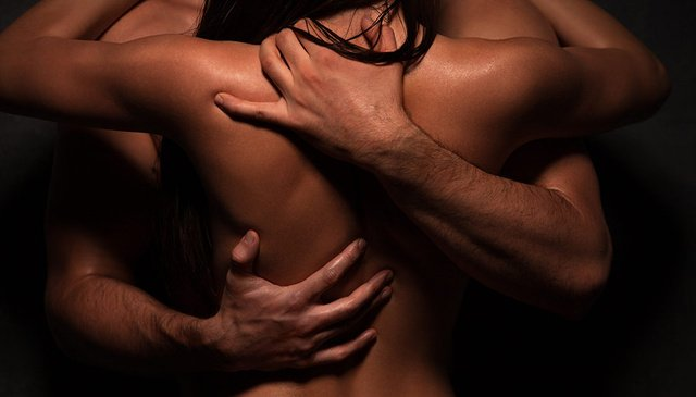 El juego de posturas eróticas para parejas