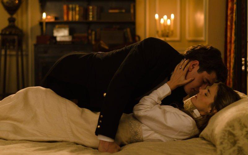 Julio y Alicia tienen sexo en Gran Hotel