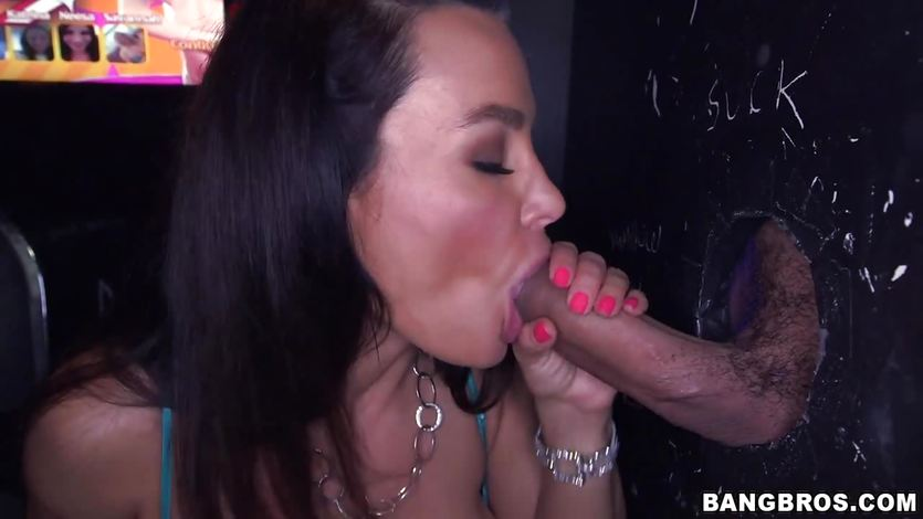 Lisa Ann GLORYHOLE