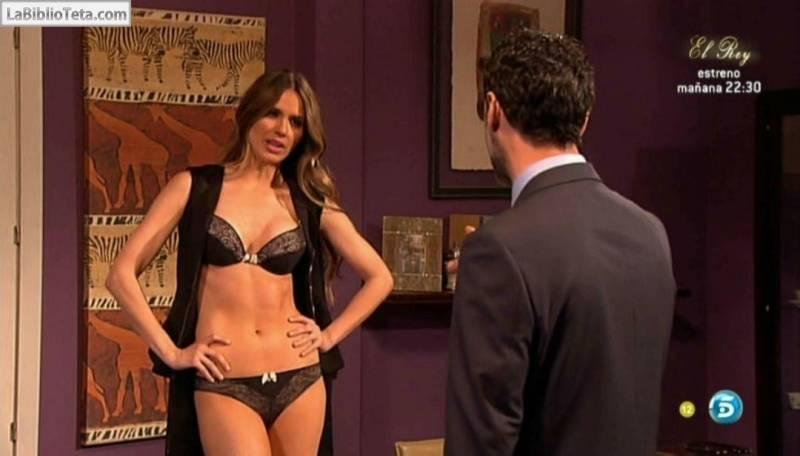 Raquel seduciendo