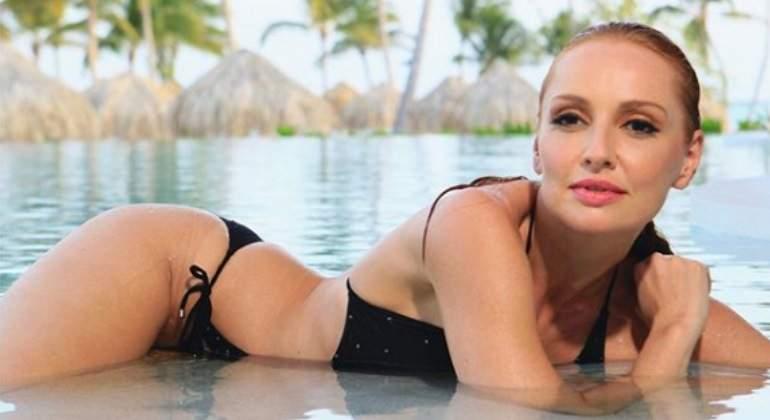 Cristina Castaño desnuda y follando