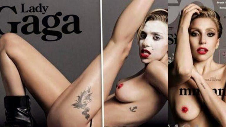 La cantante desnuda