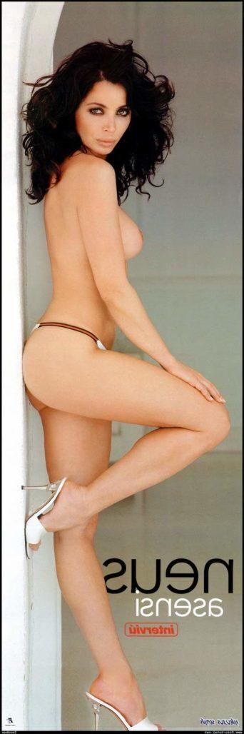 Neus Asensi desnuda