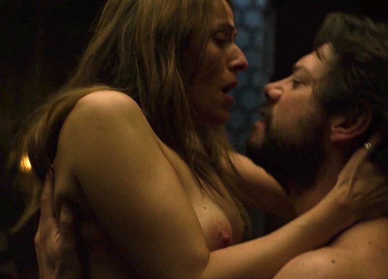 Itziar Ituño desnuda y follando