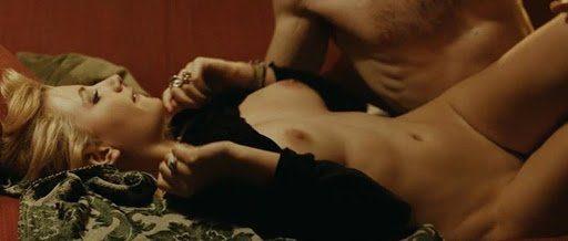 Miriam Giovanelli desnuda y follando