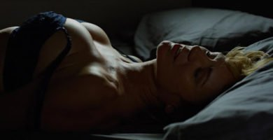Emma Suárez desnuda y follando
