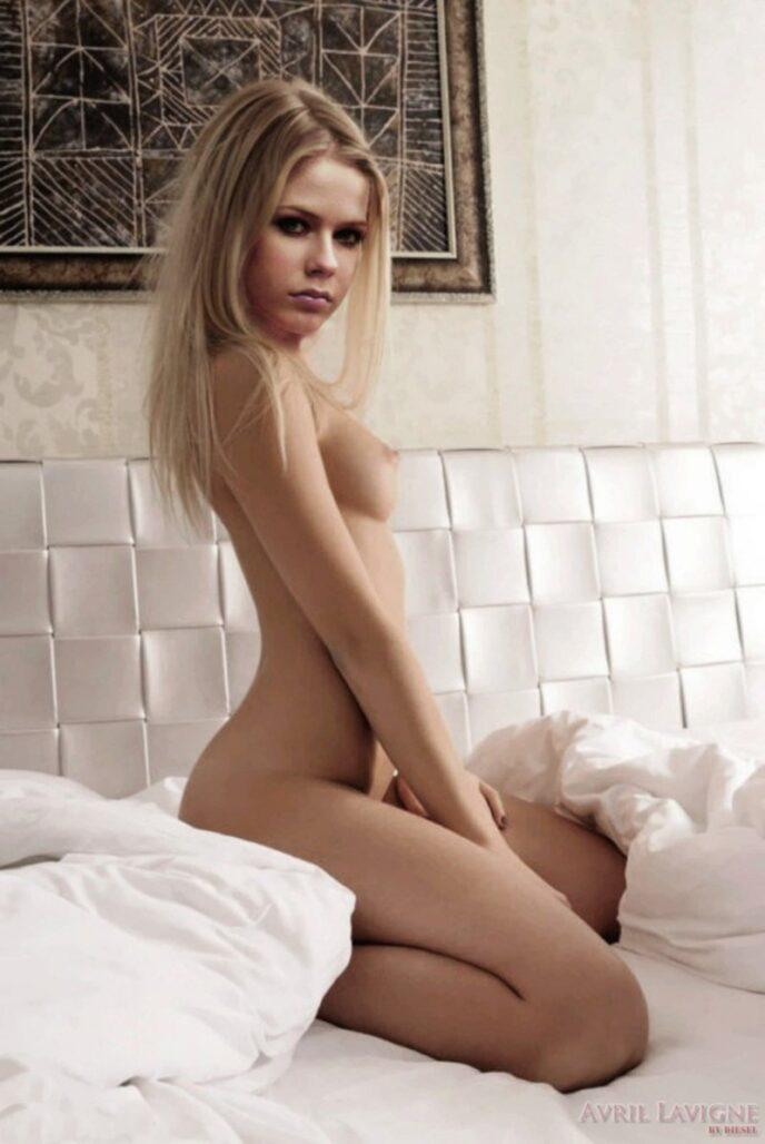 Avril Lavigne desnuda