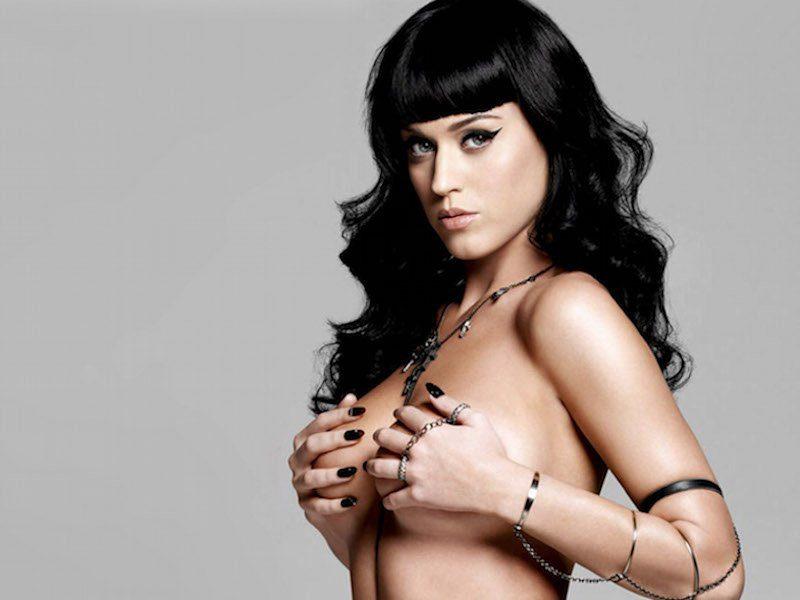 Katy Perry desnuda