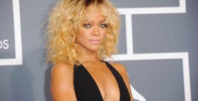 Rihanna desnuda