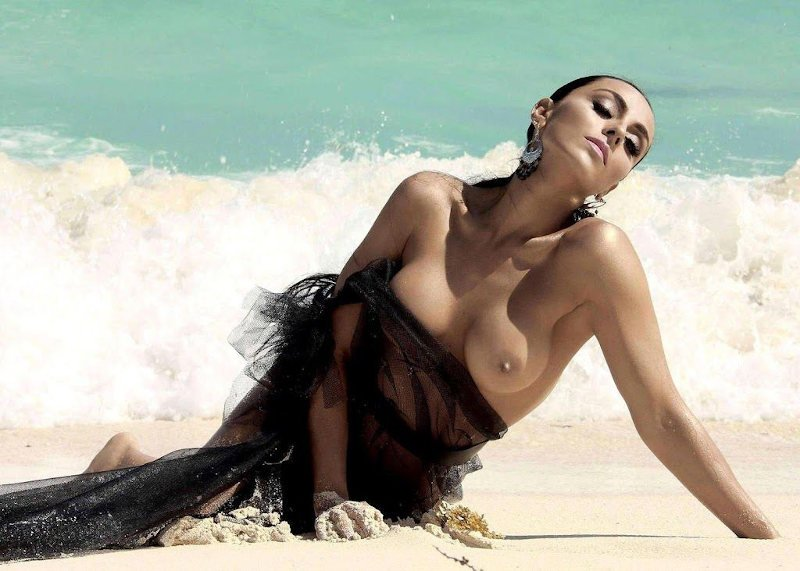 Ivone Montero desnuda