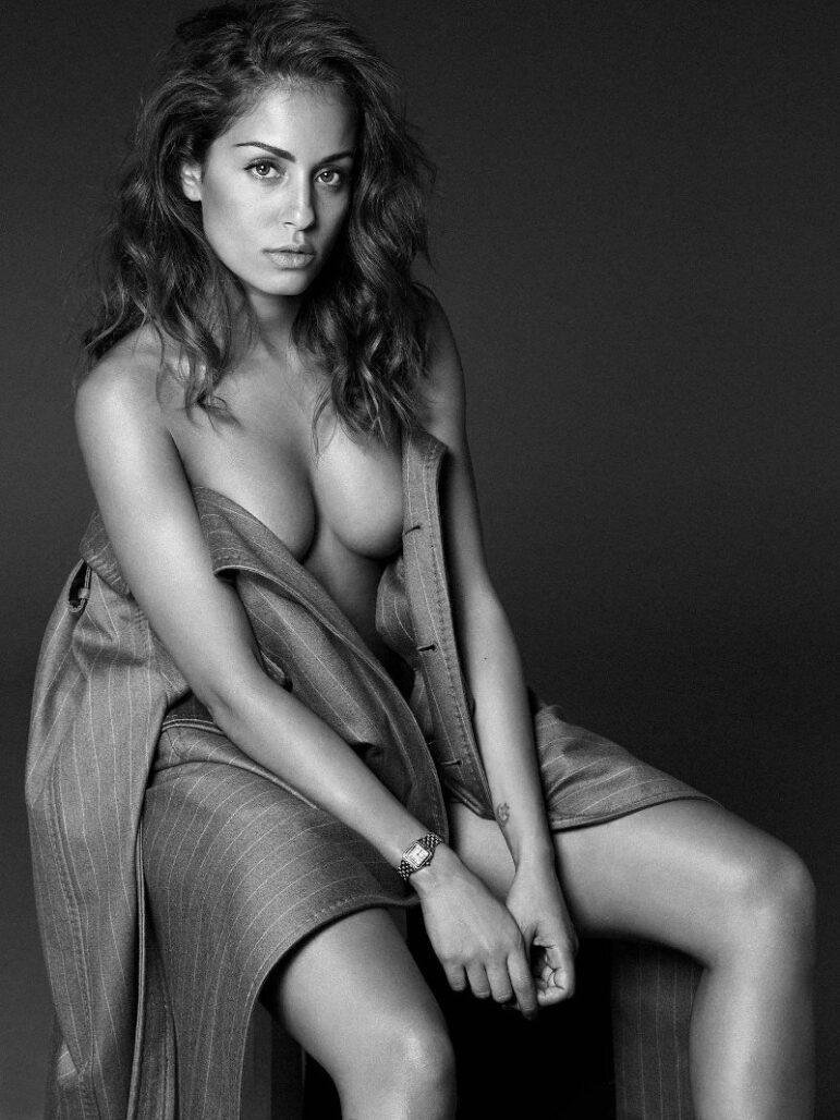 Hiba Abouk desnuda