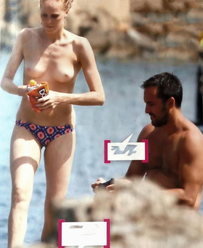 María Castro topless
