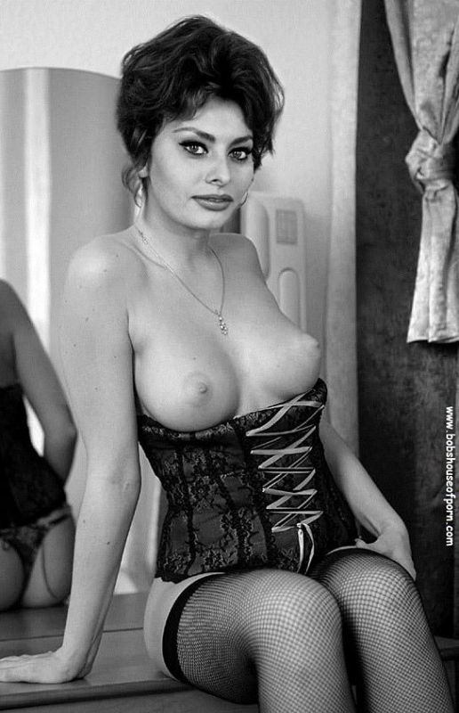 Sophia Loren bañándose tetas
